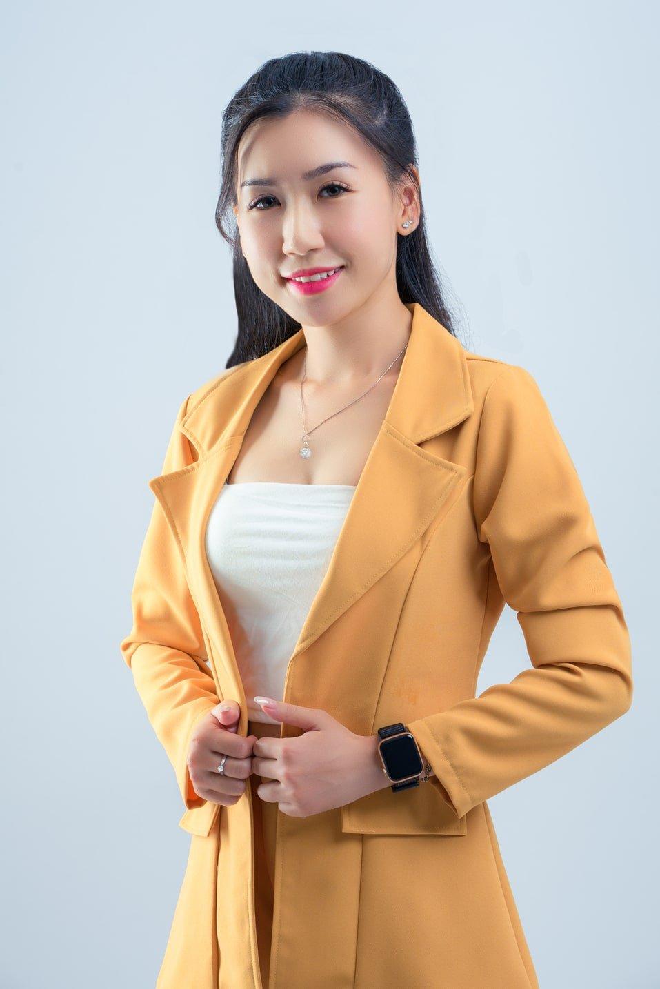 Studio chụp ảnh thương hiệu cá nhân đẹp, chuyên nghiệp tại Tp.HCM