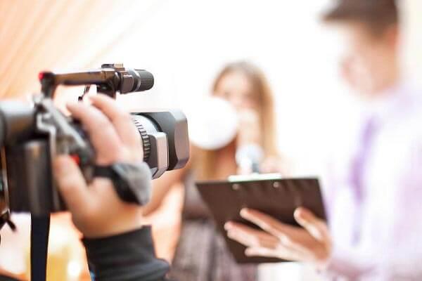 Làm TVC quảng cáo: Khó hay dễ?